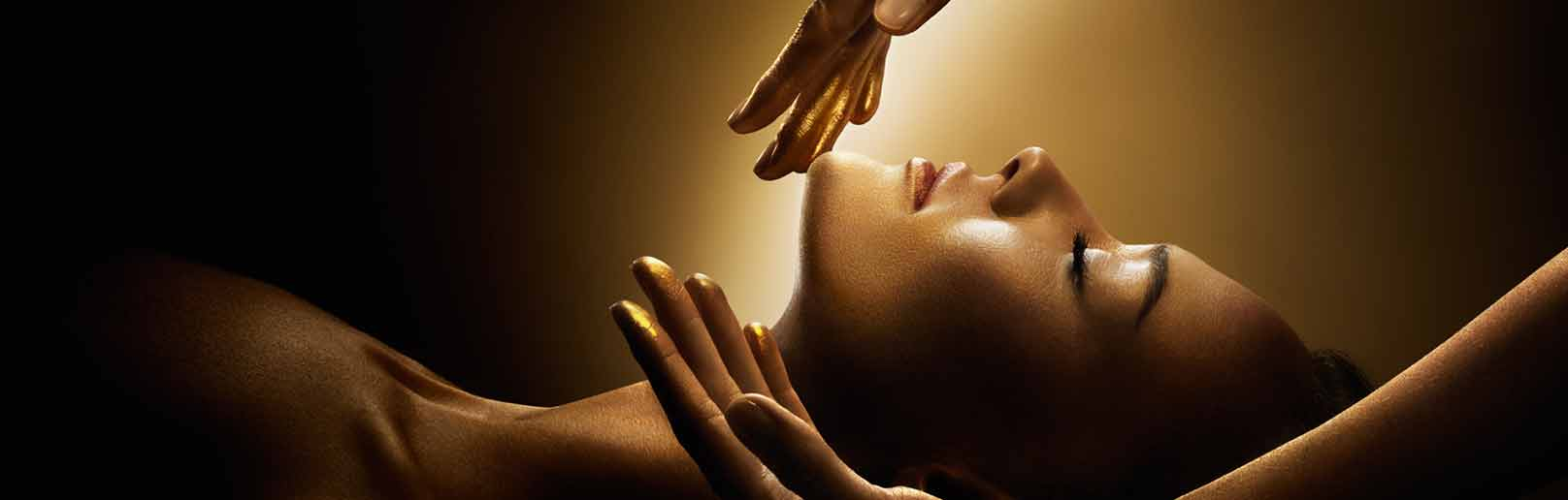Decleor facial massage